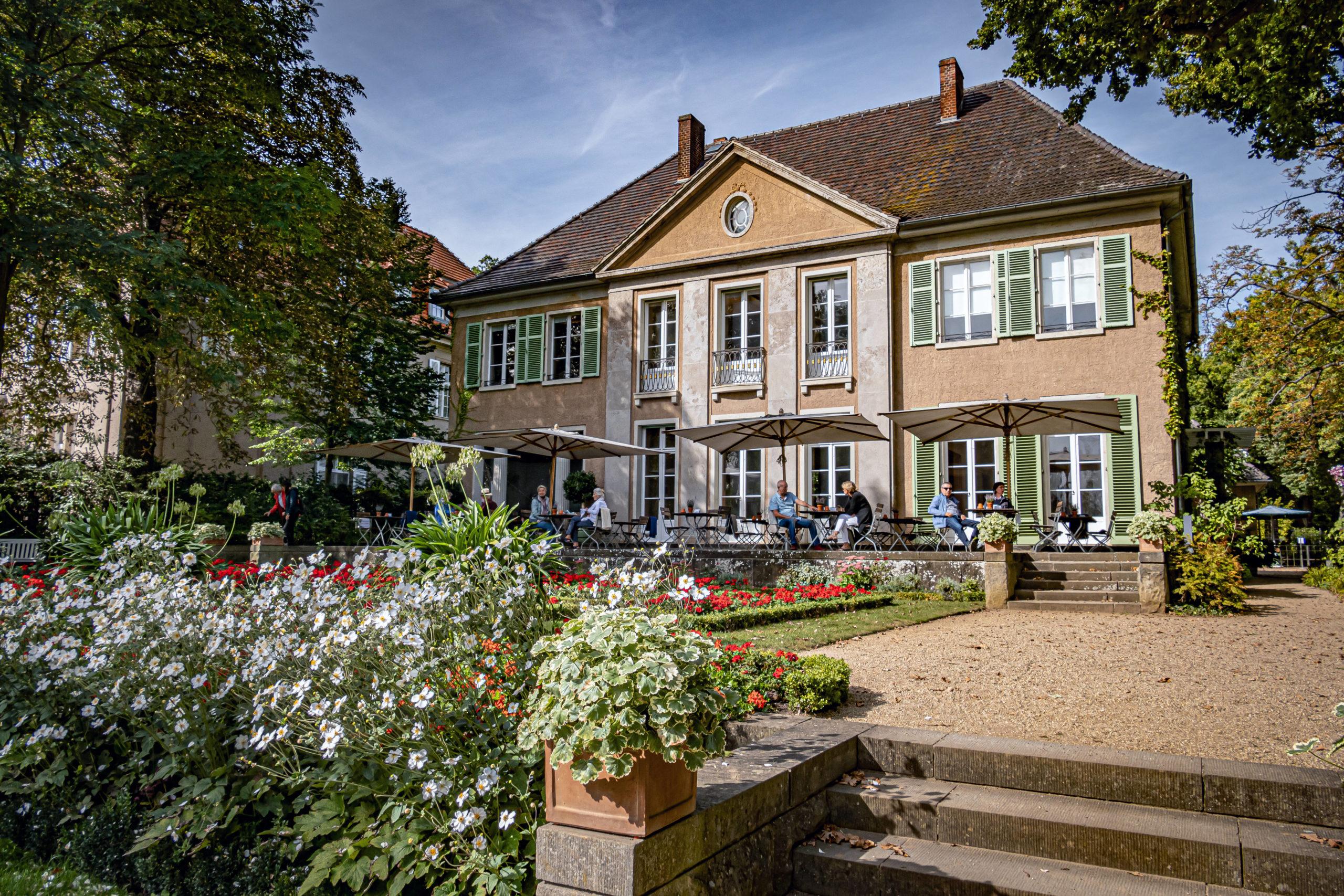 Der impressionistische Maler Max Liebermann verbrachte seine Sommer in seinem Haus am Wannsee. Die Liebermann-Villa ist heute öffentliches Kunstmuseum und Café. Foto: Imago/Ritter