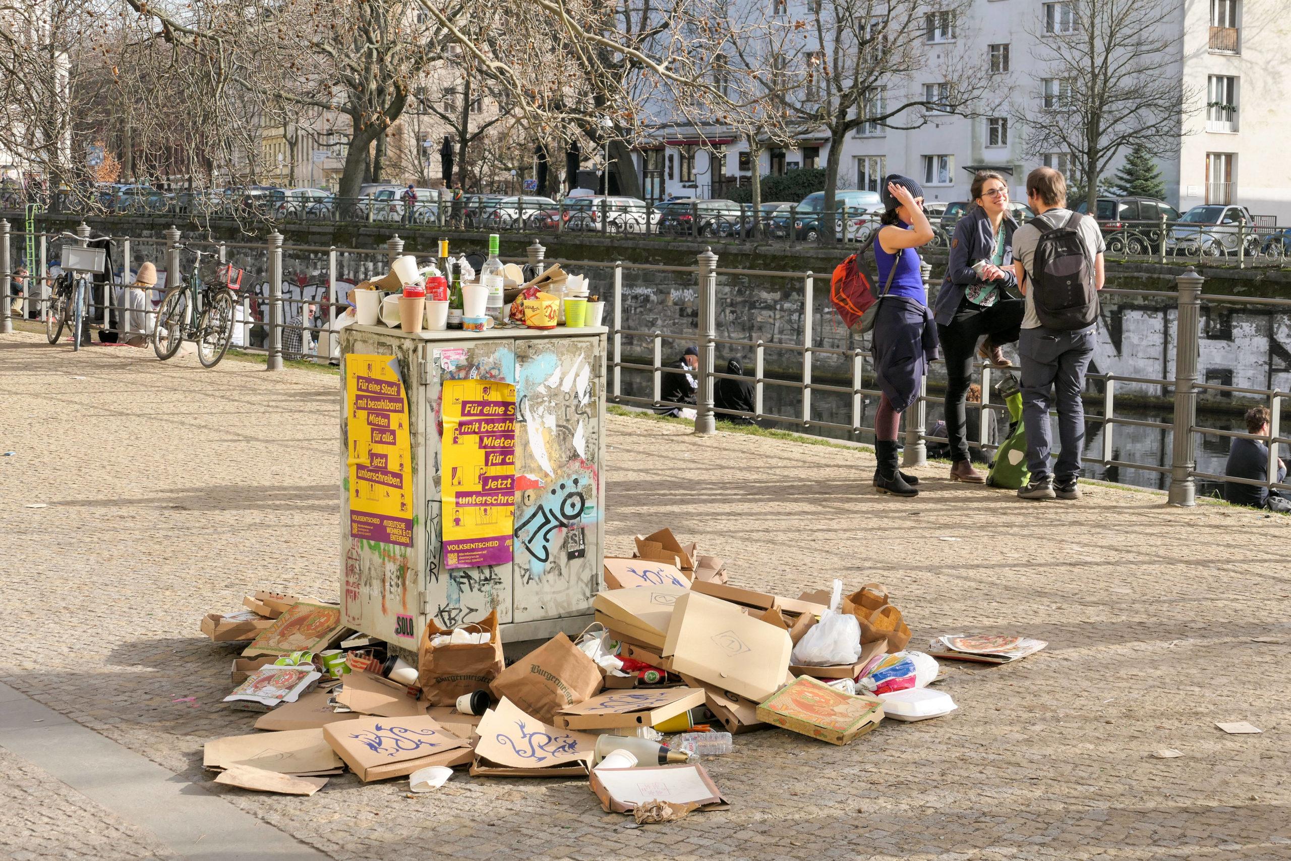 Take-away Immerhin ist Corona gut für die Umwelt. Wirklich? Das vermüllte Berlin im Frühling 2021 hinterlässt einen anderen Eindruck.