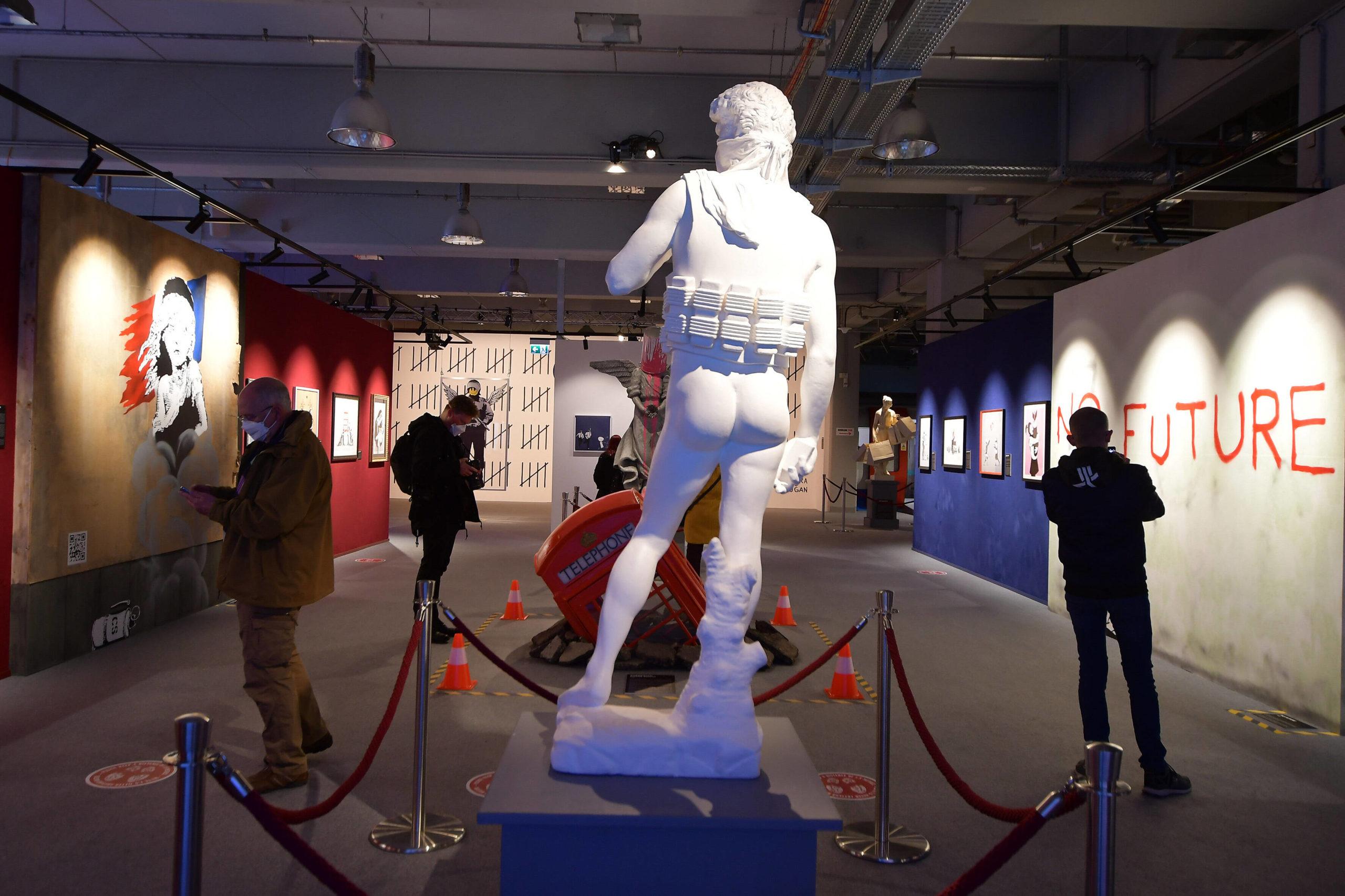 Die Skulpturen der Banksy-Ausstellung in Berlin. Foto: Imago/Photopress Müller