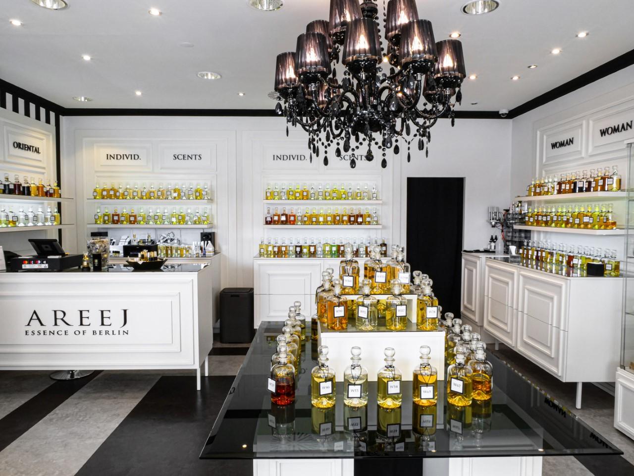 Parfümerie in Berlin Auch das Team der Parfümerie Areej wird von seiner Leidenschaft für unverwechselbare Düfte angetrieben.