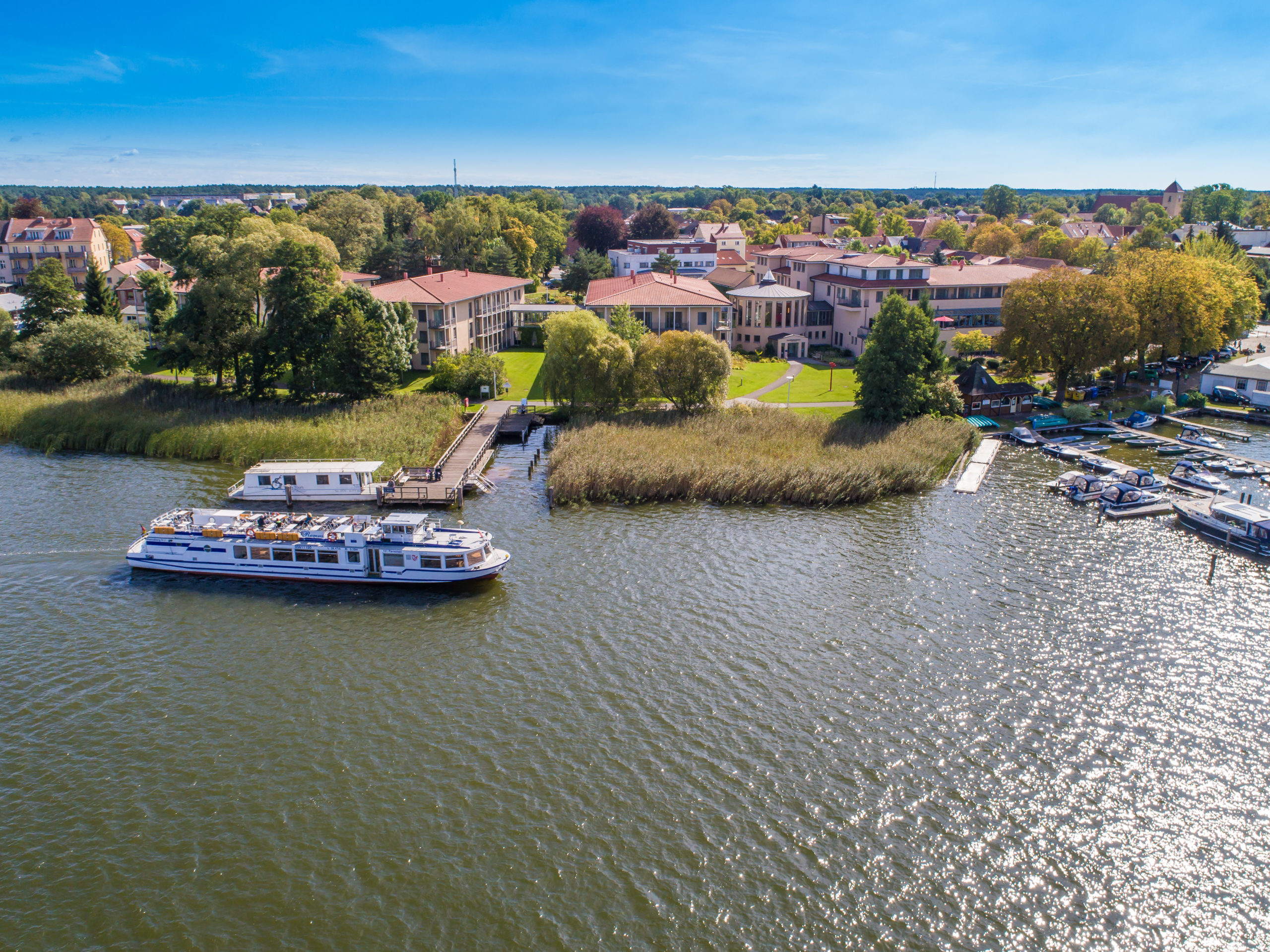 Brandenburg Im Seehotel Rheinsberg am Grienericksee können Gäste nicht nur einen schönen Ausblick auf's Wasser, sondern auch echten Komfort erwarten.