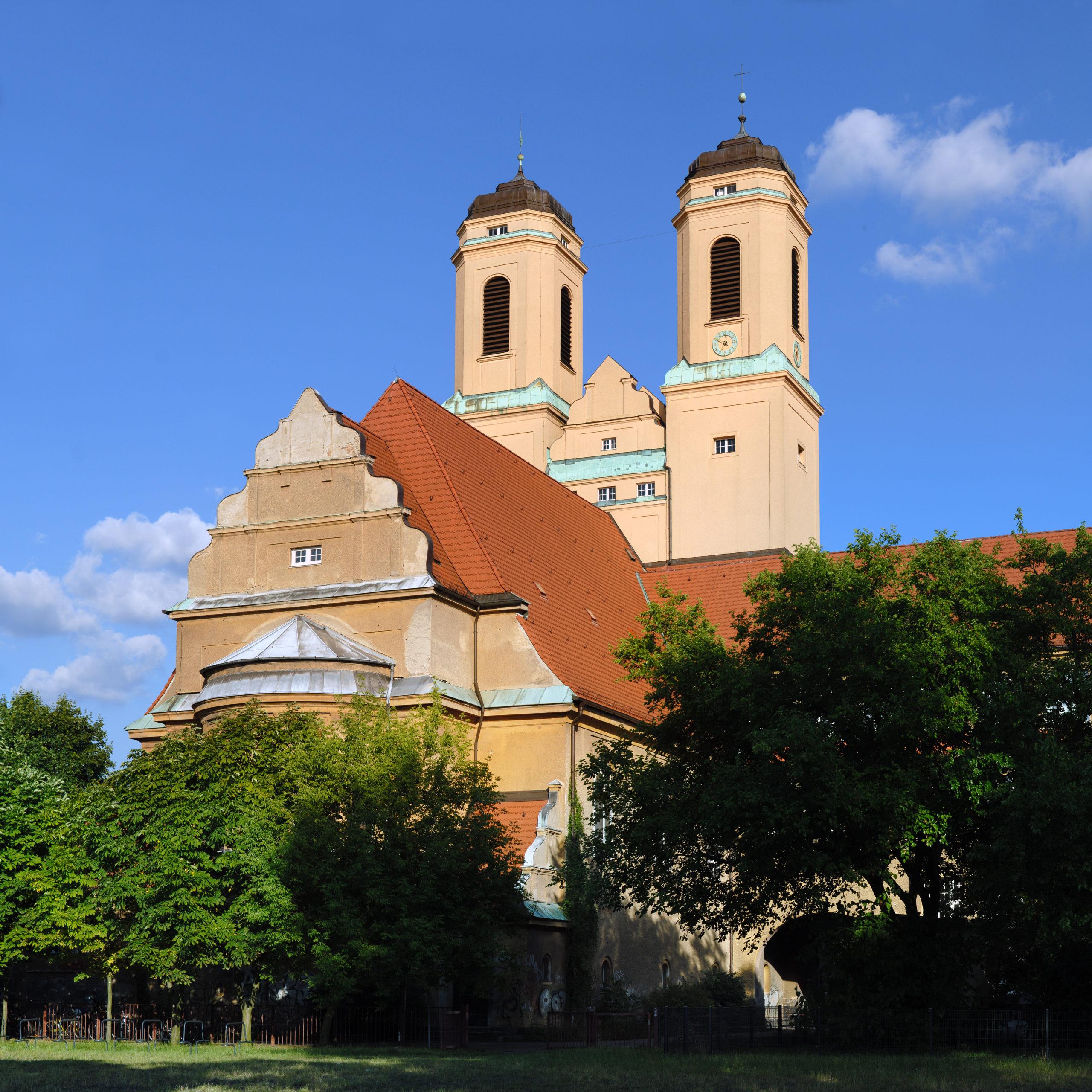 Jugendstil-Kirchen sind selten, aber es gibt sie – im Treptower Ortsteil Baumschulenweg zum Beispiel. Foto: André Karwath/Wikimedia Commons/CC BY-SA 2.5