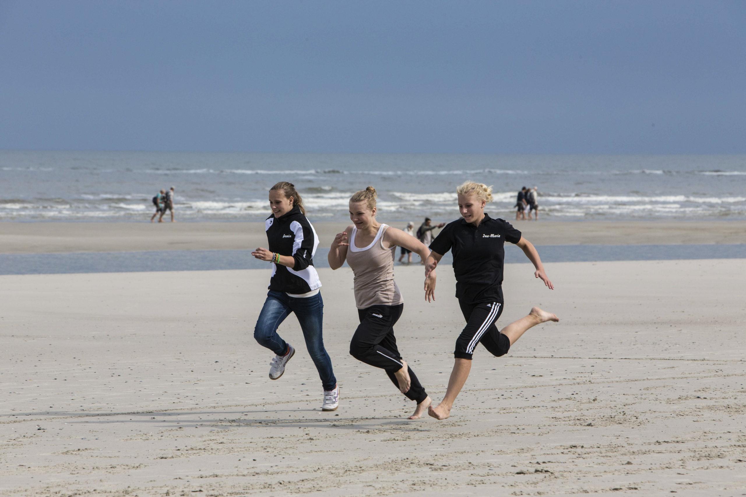 Schönste Strände Ostsee Der Strandabschitt zwischen Ahlbeck und Heringsdorf gehört den Sportbegeisterten.