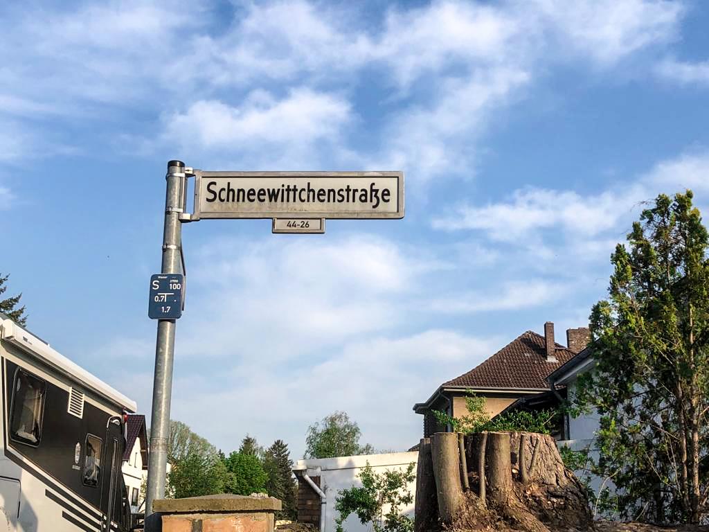 Märchen Berlin Im Märchenviertel in Köpenick haben Straßen und Wege verwunschene Namen.
