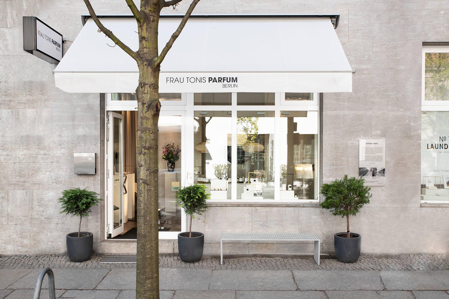 Parfümerin in Berlin Bei Frau Tonis Parfum setzt Hanssen ganz zeitgemäß auf Genderneutralität und Einzigartigkeit. Das Sortiment bietet sogar vegane Düfte.
