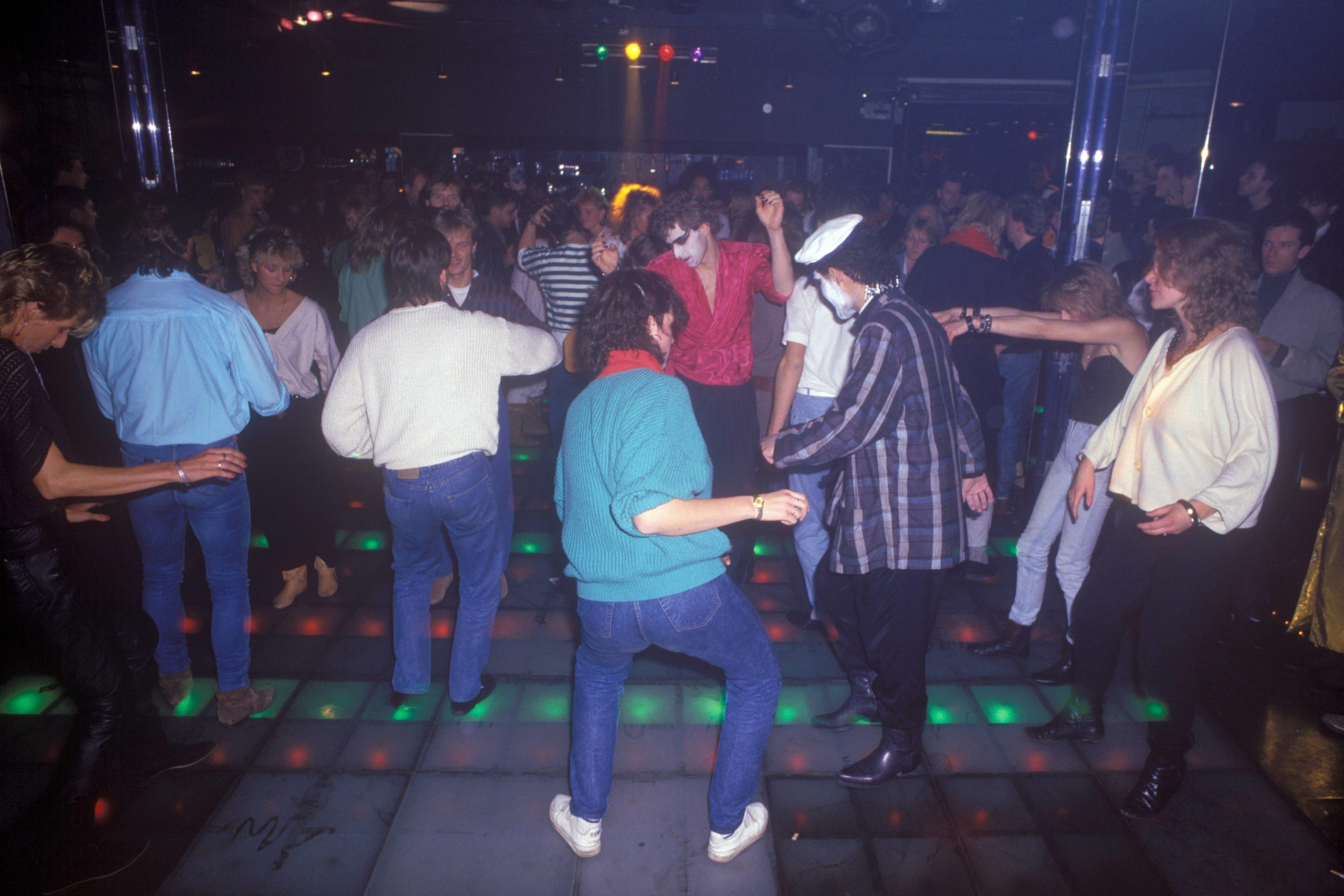 Dancefloor in der Diskothek Far Out, um 1985. Foto: Imago/Günter Schneider