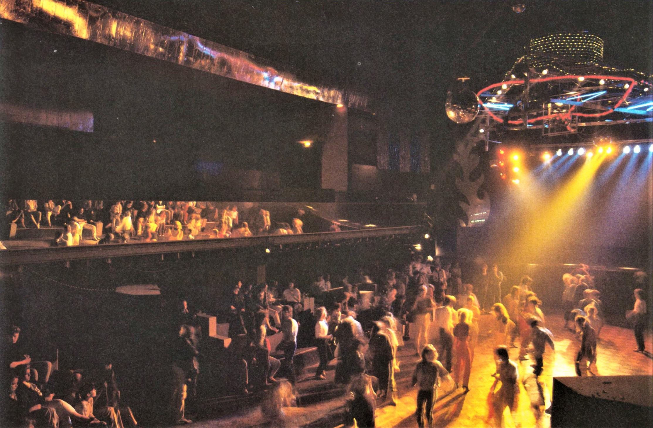 Ein Tanzpalast in der Tradition der 1920er-Jahre, übertragen auf die Zeit der Diskotheken. Foto: Archiv Bernd Feuerhelm