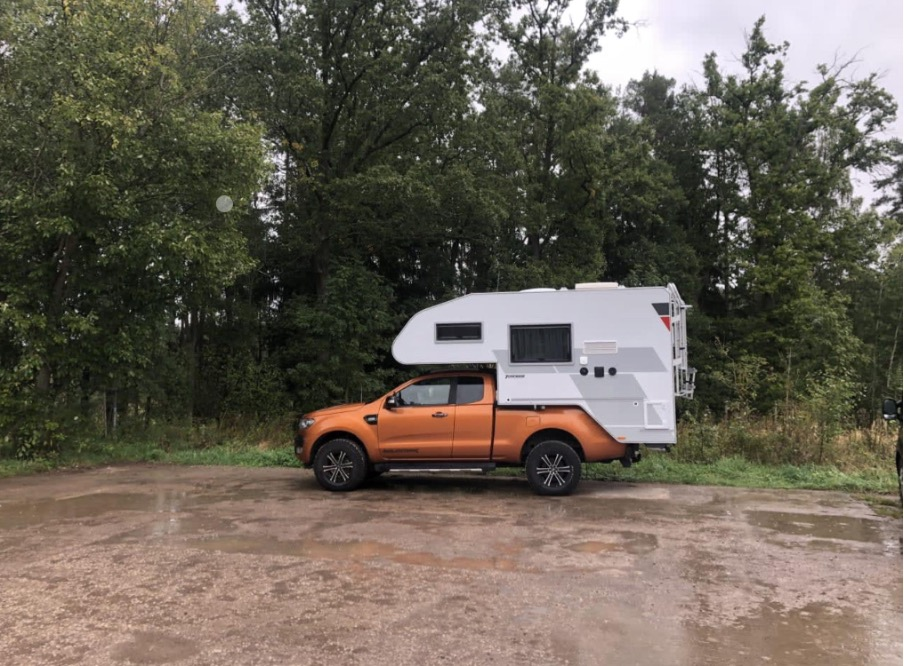 Der gemütliche Ford Ranger ist super geeignet für zwei Personen. Foto: PaulCamper