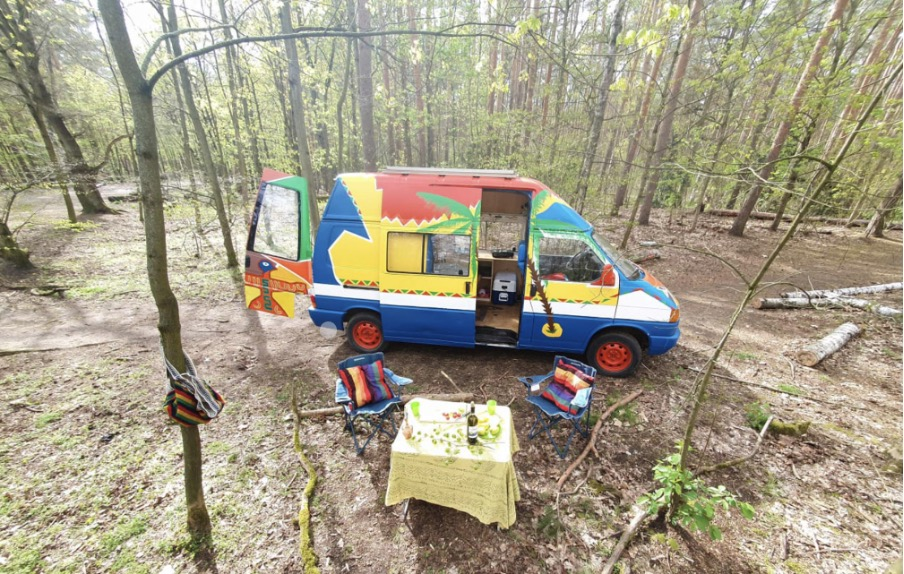 """Der Campingbus """"SiggSigg"""" wurde mit viel Liebe eingerichtet. Foto: PaulCamper"""