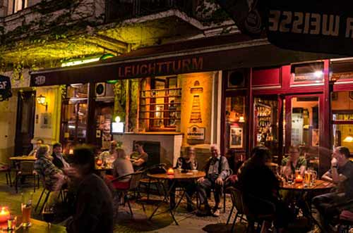 Wohnzimmer Bar Berlin. Lerchen Und Eulen Is One Of The Best Cozy ...