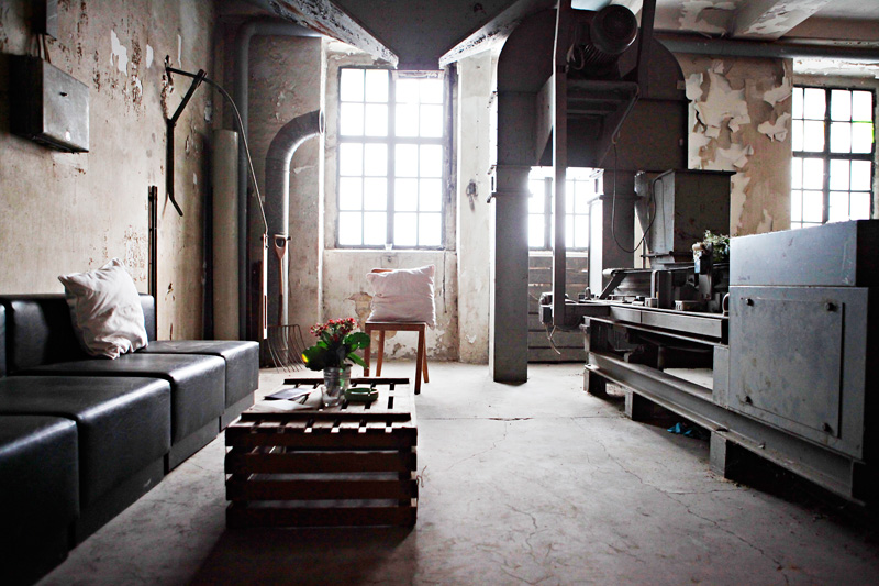 fabrik wohnung die neuesten innenarchitekturideen. Black Bedroom Furniture Sets. Home Design Ideas