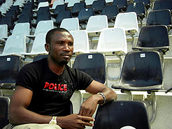 Jonathan Akpoborie in